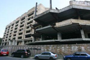Недобудова на Львівській площі